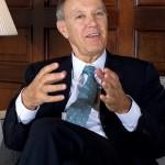 Создавање  на меѓународно законодавство за интелектуална сопственост : Едно интервју со Френсис Гари